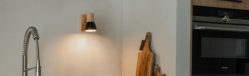 Sieniniai šviestuvai